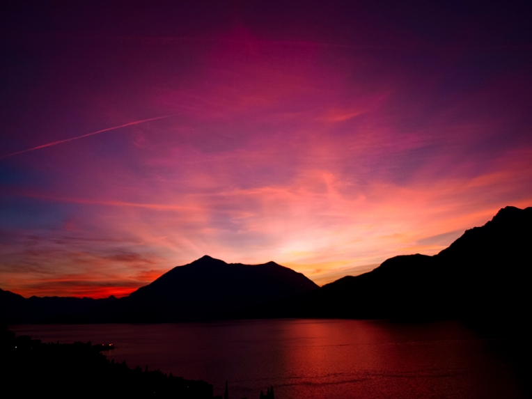 Glourious Sunset on Como Lake