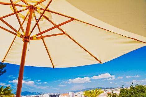 beach umbrella, tropical holiday details
