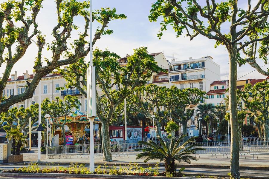Cannes Pantiero Promenade pt 2 004