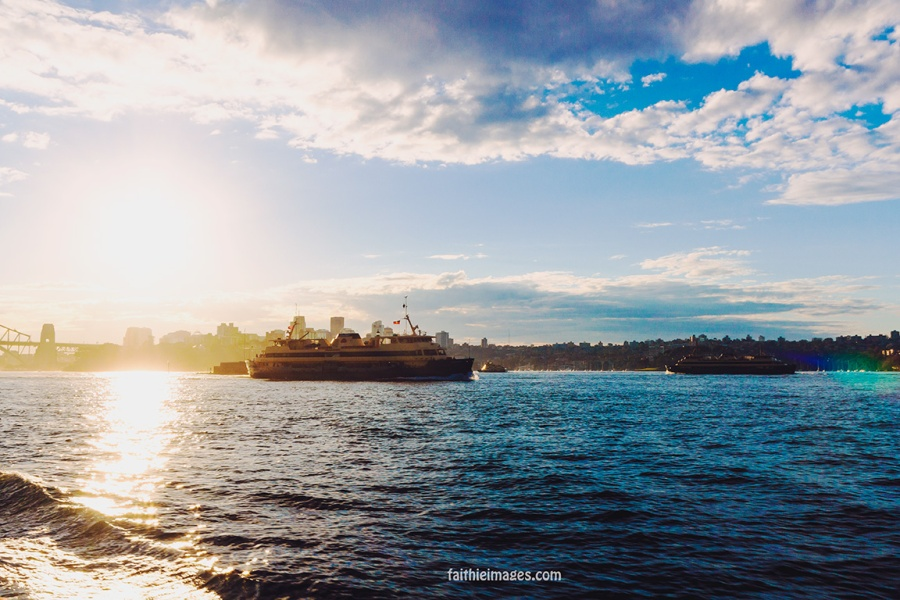 Faithieimages - Ferry boat on Sydney Harbour 004