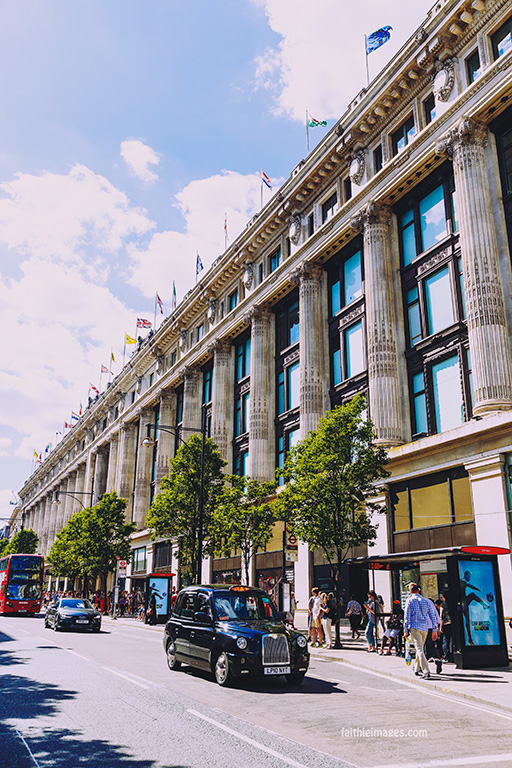 out-and-about-in-london-town-02