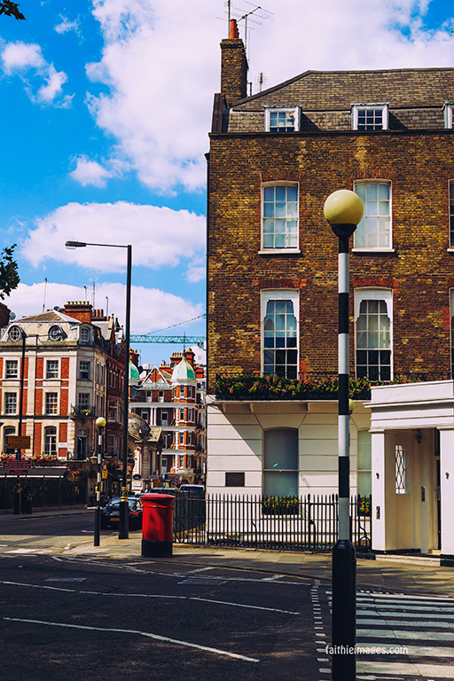out-and-about-in-london-town-06