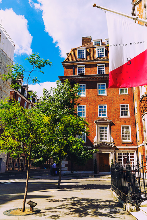 out-and-about-in-london-town-12